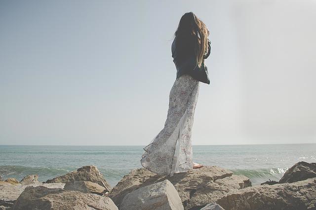 Sukienka z cekinami – porady