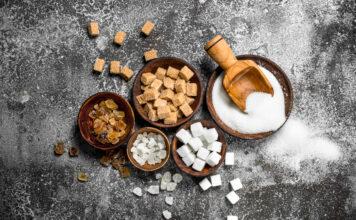 Cukier brązowy - czym się różni od białego?