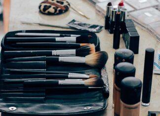Jak wybrać kosmetyki do makijażu