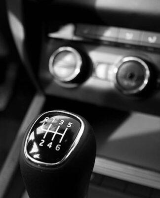 Wady i zalety gumowych dywaników samochodowych